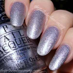 OPI This Gown Needs a Crown-002