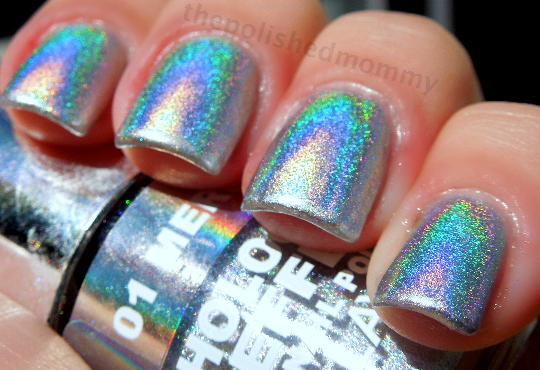 How to Apply Holographic Polish... - The Polished Mommy