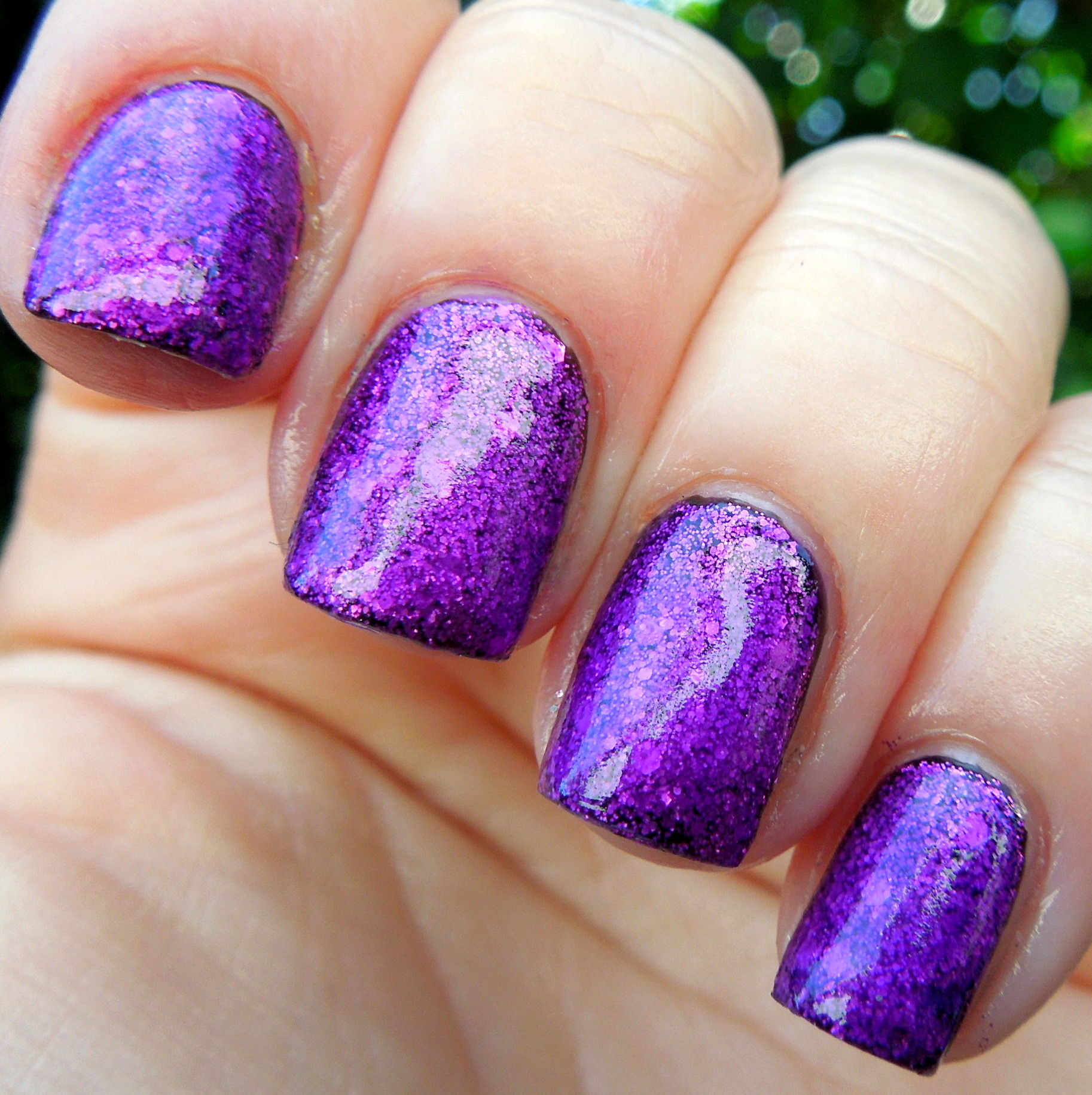 365 Days Of Nail Art March 2014: Bubbly, Creative Twinkle Over Liquid Vinyl....